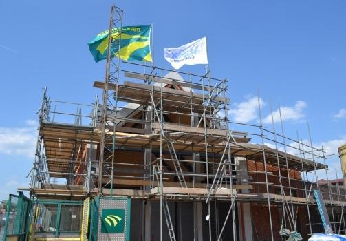 Hoogste punt nieuwbouw Keizersdijk 14 – 24 te Raamsdonksveer bereikt!