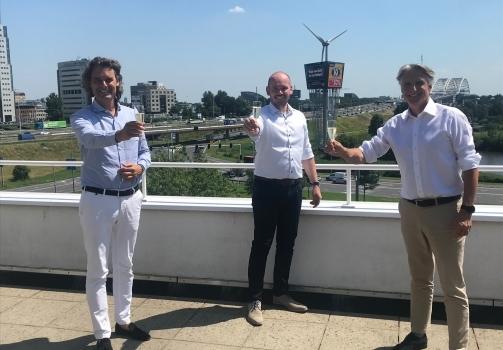 """Aannemingsovereenkomst voor het project """"Het Bosbad"""" in Meerhoven-Eindhoven getekend!"""