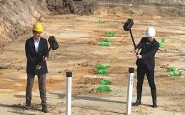 Eerste paal geslagen voor bouw project Wonen in het Bosbad te Eindhoven